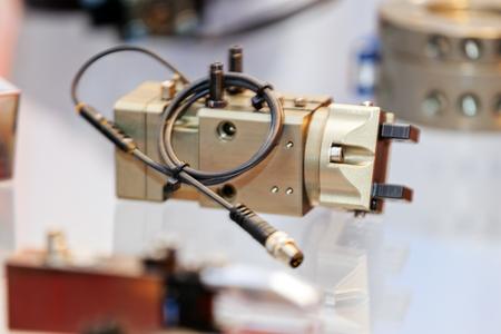 Eén detail en onderdeel van nieuwe machine; wazig voor achtergrond