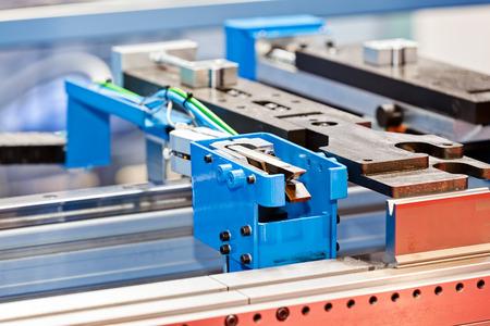 Elektrische en handmatige drie roller machine voor de industrie Stockfoto - 89248390