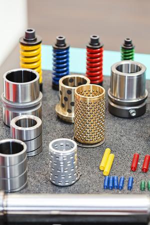 Close-up nieuw ontwerp van onderdelen voor machine op tentoonstelling show; let op ondiepe scherptediepte Stockfoto - 89248442