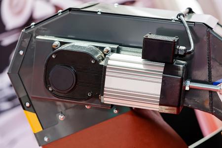 Een detail en onderdeel van een nieuwe industriemachine; noteer ondiepe scherptediepte Stockfoto