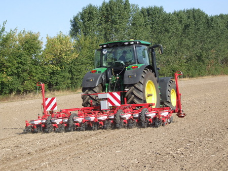 seed drill: Precision drilling of beet
