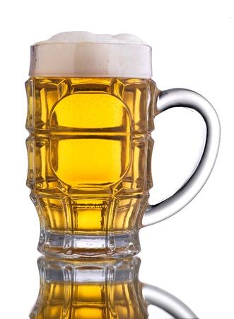 jarra de cerveza: Jarra de cerveza con espuma