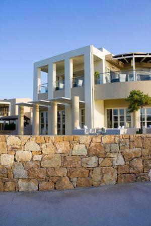 holiday villa: Beautiful hotel near the sea in Greece