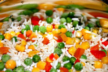 mixture: Quickly frozen vegetable mixture in frying pan