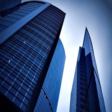 Neues Bürogebäude in Business-center  Standard-Bild - 6959595