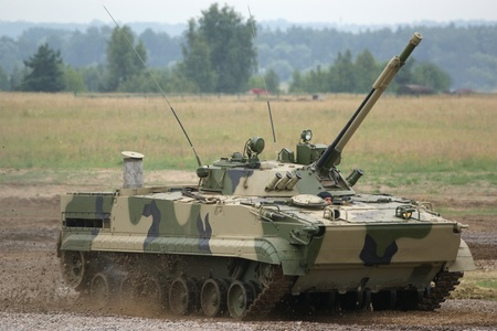 ZHUKOVSKY, MOSCOW REGION, RUSSIA, JULY 03: Aerodrom in Zhukovsky, IV International Salon of weapons and military equipment, 2010.03 July. The main Russian tank T-90 Stock Photo - 11273423