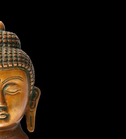 cabeza de buda: Estatua de Buda sobre un fondo blanco Foto de archivo