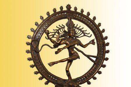 hindu god shiva: Indian hindu god Shiva Nataraja - Lord of Dance Statue isolated on color background