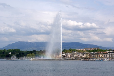 Switzerland, Geneva, view of Lake Geneva and the city
