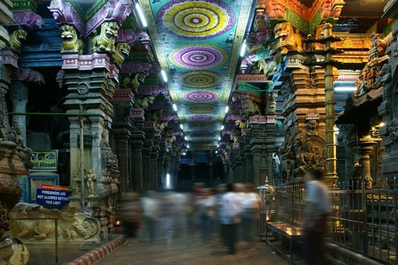 Inside of Meenakshi hindu temple in Madurai, Tamil Nadu, South India.  It is a twin temple, one of which is dedicated to Meenakshi, and the other to Lord Sundareswarar Stock Photo - 11327850