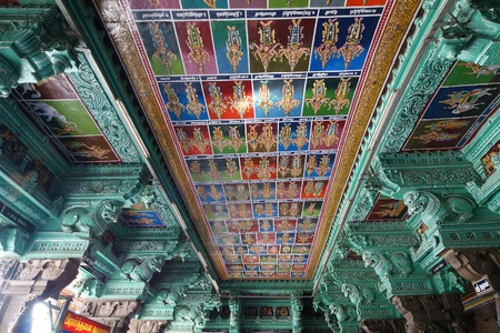 tamil nadu: Ceiling Meenakshi Sundareswarar Temple in Madurai, South India