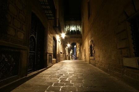 Gothic quarter at night. Empty alleyways in Barcelona 報道画像