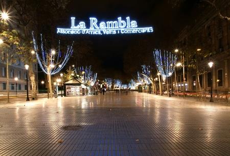 night shift: Night view of the La Rambla. Catalonia, Spain Editorial