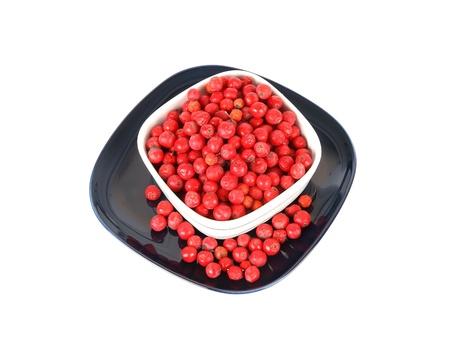 bunchy: Naturaleza muerta con rojo natural Rowan sobre un fondo blanco