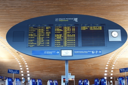 gaulle: Paris-Charles de Gaulle Airport, CDG, LFPG (Aéroport Paris-Charles de Gaulle), also known as Roissy Airport (or just Roissy in French), Terminal 2, Display Screen Editorial