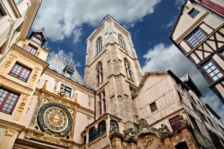 Clock in the Rue du Gros-Horloge, Rouen, Haute-Normandy, France Imagens - 15570539