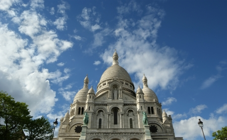 aring: Basilica of the Sacred Heart of Paris, commonly known as Sacre-Cœur Basilica, Paris, France