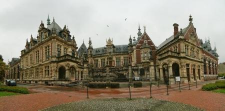 benedictine: Palacio benedictino en F�camp, Alta Normand�a regi�n en el norte de Francia