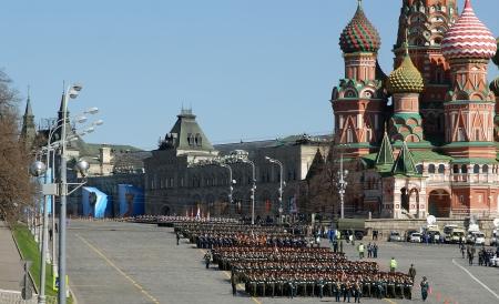 red square moscow: Ensayo del desfile militar en la Plaza Roja de Mosc?, Rusia. mayo, 07 de 2013