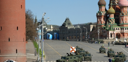 red square moscow: Ensayo del desfile militar en la Plaza Roja de Mosc�, Rusia. mayo, 07 de 2013