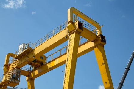 overhead crane: Yellow Gantry Bridge Crane for Cargo and Construction