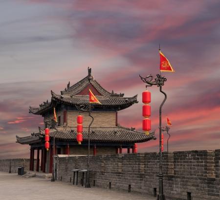 Fortificazioni di Xian (Sian, Xi'an) l'antica capitale della Cina - rappresentano uno dei più antichi e meglio conservati muraglie cinesi della città Archivio Fotografico - 23784042