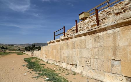 past civilizations: Roman ruins in the Jordanian city of Jerash (Gerasa of Antiquity), capital and largest city of Jerash Governorate, Jordan