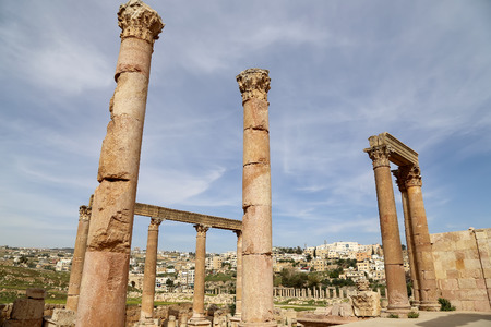 antiquity: Roman Columns in the Jordanian city of Jerash (Gerasa of Antiquity), capital and largest city of Jerash Governorate, Jordan Stock Photo