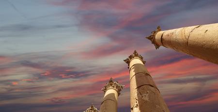roman columns: Roman Columns in the Jordanian city of Jerash (Gerasa of Antiquity), capital and largest city of Jerash Governorate, Jordan Stock Photo