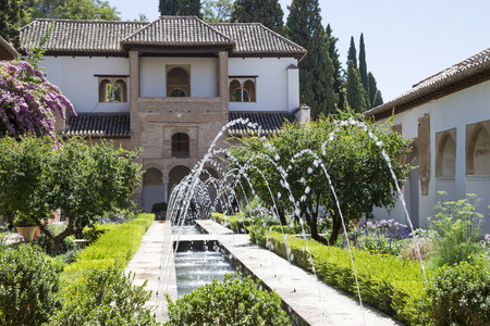 castello medievale: Alhambra Palace - castello medievale moresco di Granada, Andalusia, Spagna