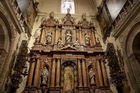 IGLESIA: Interior de la catedral de Sevilla - Catedral de Santa Mar�a de la Sede, Andaluc�a, Espa�a - Es la tercera iglesia m�s grande en el mundo y en que momento de la finalizaci�n en el 1500 fue el mayor del mundo. Lugar de entierro de Christopher Columbus