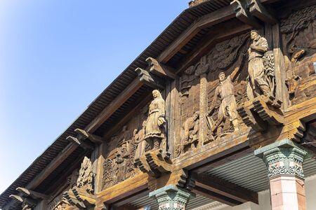 """Pavilion â""""–67 carving statue Imagens"""