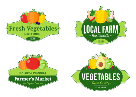 Set of vintage vegetables labels, icons and design templates for farmer's stores and products. Vettoriali