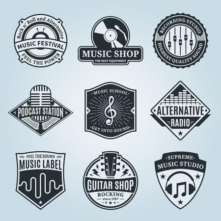 벡터 음악 로고의 집합입니다. 샘플 텍스트가있는 음악 스튜디오, 축제, 라디오, 학교 및 상점 레이블. 오디오 저장소, 녹음 스튜디오 레이블, 팟 캐스 일러스트