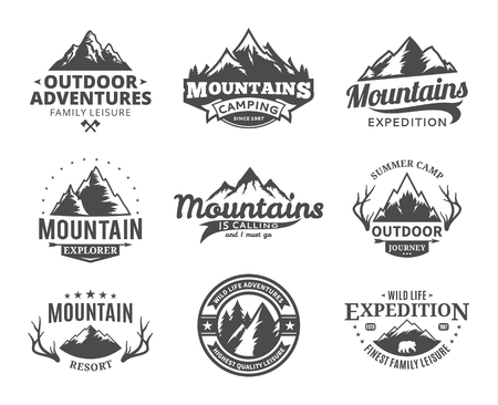 Set of vector mountain and outdoor adventures logo. Tourism, hiking and camping labels. Mountains and travel icons for tourism organizations, outdoor events and camping leisure. Çizim