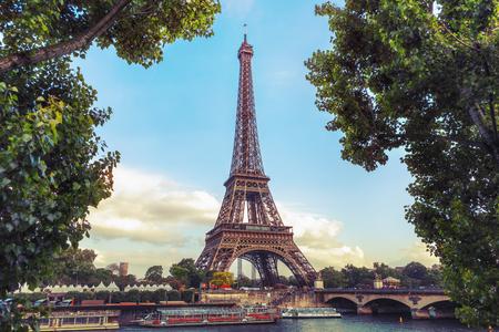 Bordered Eiffel tower