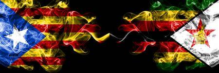 Cataluña vs Zimbabwe, banderas de humo de Zimbabwe colocadas una al lado de la otra. Banderas de humo sedoso de color espeso de Cataluña y Zimbabwe, Zimbabwe