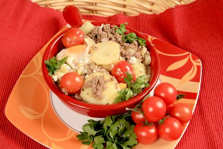 hashbrowns: Hash with potatoes and tomatoes