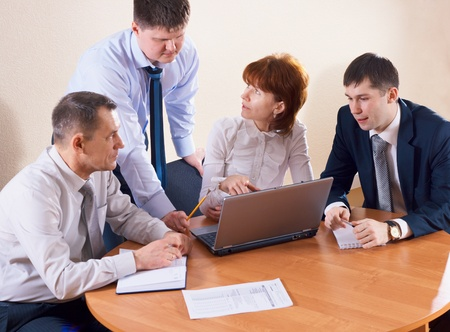 teamworking: Business people in office on the creative work