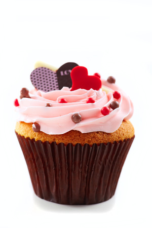 cup cakes: Cup cake with love and hearts on white background