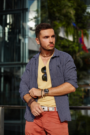 handsome men: Portraitt young guy in casual modern hipster style