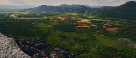 Panoramic view to the mountain area at Van Vieng Laos 版權商用圖片 - 128225970