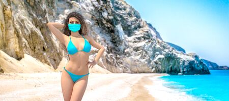 3D beautiful woman in medical mask on sea beach.Summer rest during coronavirus pandemic COVID-19.Blue ocean background.Sunny day.Conceptual fashion art.Render illustration. Standard-Bild