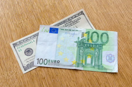 dolar: euro frente al dolar