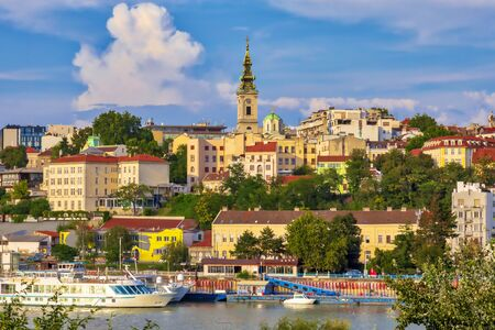 Belgrad, die Hauptstadt von Serbien. Blick auf das alte historische Stadtzentrum am Ufer der Sava. Bild Standard-Bild