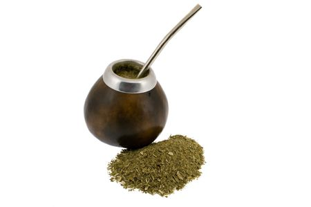 yerba mate: plena calabaza y yerba mate en blanco