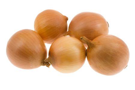 cebollas: Pu�ado una cebolla aislado en un fondo blanco