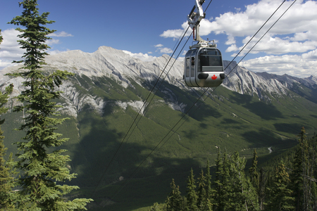 rocky mountains: Rocky Mountains, funicular in Banff National Park, Canada