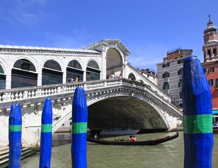 rialto: Ponte Rialto, Venice, Italy Editorial