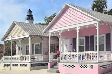 case colorate: faro Key West e cottage, Florida, Stati Uniti d'America